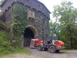 Prace na zamku w Grodzcu