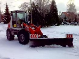 Ładowarka z pługiem do śniegu